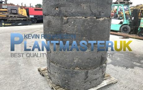 Solid 1600×25  wheels a tyres to suit CAT 938 | Plantmaster UK